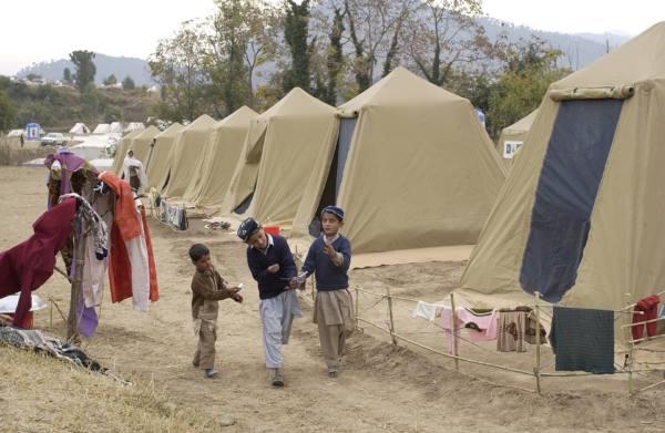 パキスタン 避難キャンプ