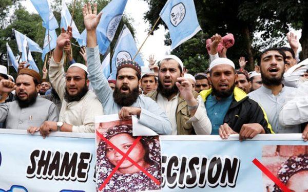 Pakistan Supreme Court to review Asia Bibi's blasphemy acquittal