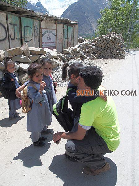 パキスタン人は子供好きが多い