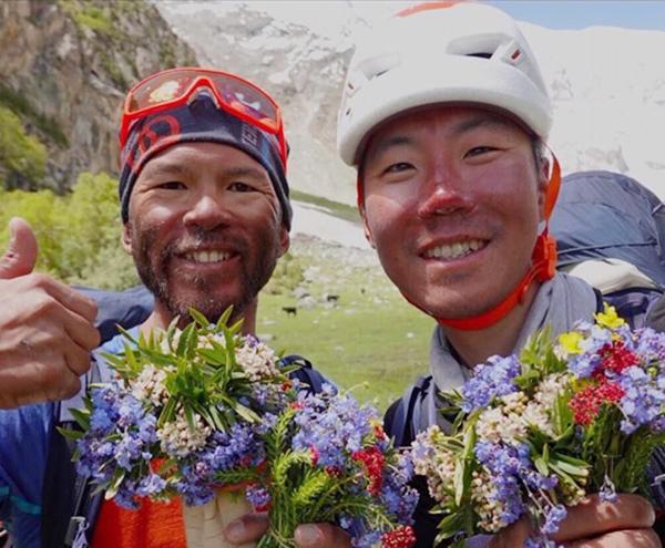 日本人登山家、ラカポシ南壁の新ルートでの登頂成功