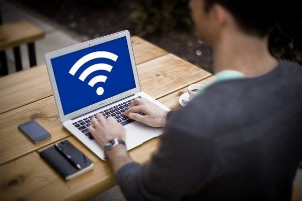 海外WiFiレンタルはどんな人におすすめ?