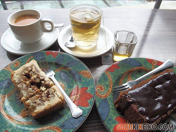 Cafe de Hunza ブラウニーとウォールナッツケー