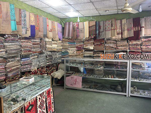 Hunza Weaving Center 店内