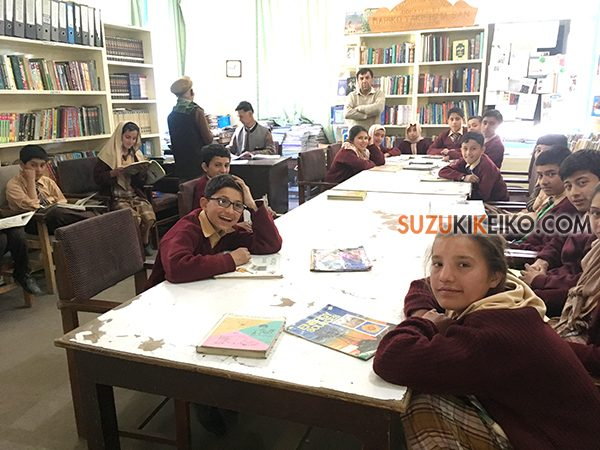 ハセガワスクールの図書室