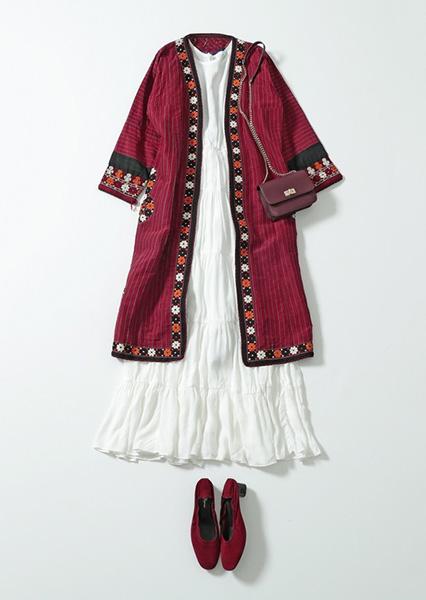 トルクメニスタンのトルクメン族が着る「クルテ」のコーデ