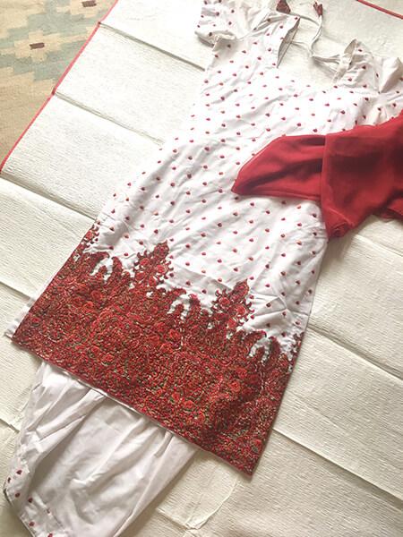 カシミール刺繍のサルワールカミーズ