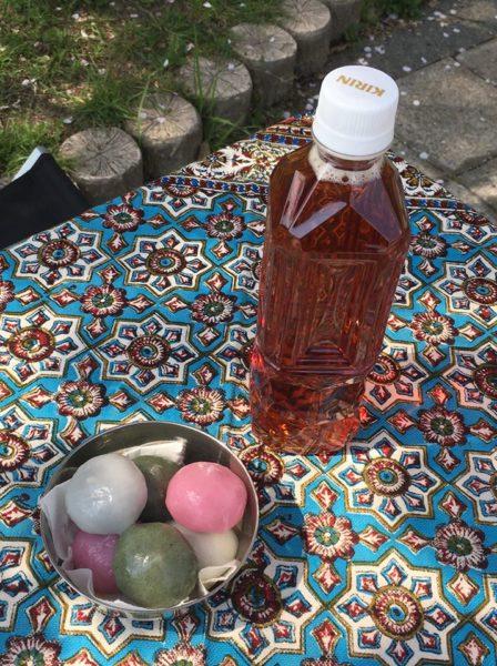 花見団子とお茶