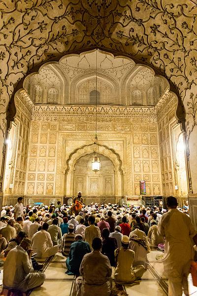 モスクでの礼拝