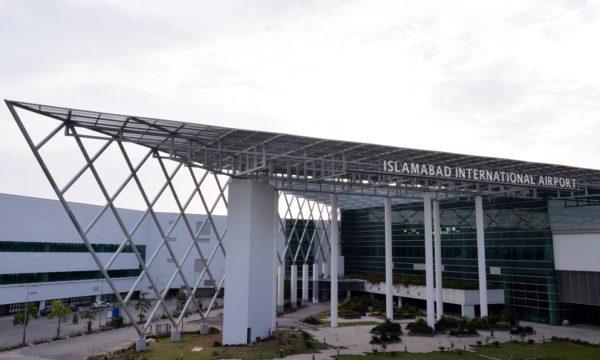 パキスタンから出国する国際便の運行承認、乗り入れ便は引き続き制限