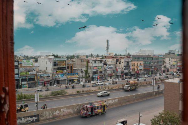 パキスタンの配車サービスはUberとCareem!