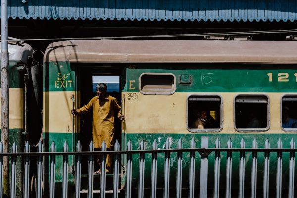 外国人女性のパキスタン一人旅
